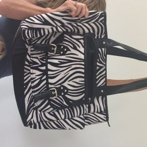 "An ""ATTENTION"" zebra bag vinyl large bag"